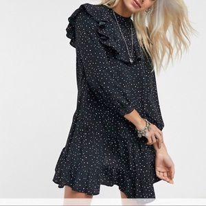 TOPSHOP NWT  Petite Mini Dress With Ruffle Detail